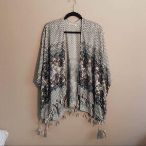 NWOT boho floral poncho kimono shawl
